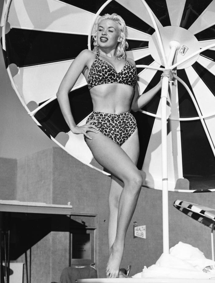jayne mansfield bikini leopardo